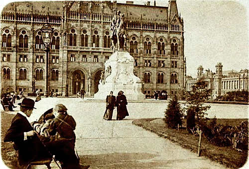 Kossuth-ter-parlament-orszaghaz