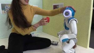 cukorbeteg-kisgyerekkent-viselkedo-robot