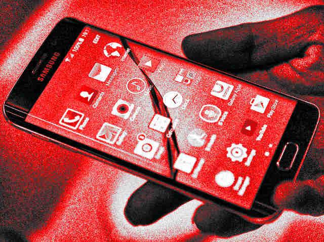 torott-Samsung-okostelefon