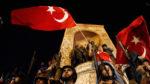 Török puccskísérlet: az ügyfeleinek tízezer forintot jóváír a Magyar Telekom