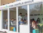 A nap képe: Mobil Digitális Iskola program utazó tanterme Szolnokon