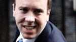 Milliárdokra büntetné a brit kormány a közösségi portálokat, ha engedik illegális tartalmak közlését