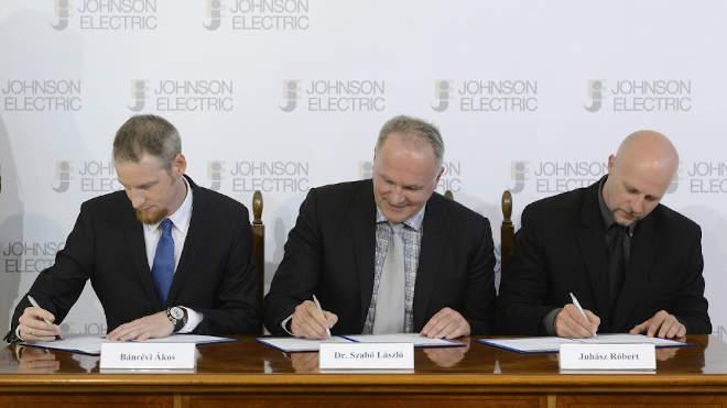 Johnson Electric - Magyar Állam stratégiai együttműködés. Bánrévi Ákos, Szabó László, Juhász Róbert