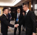 Szijjártó szerint nemzetgazdasági érdek a jó együttműködés a Huawei-jel