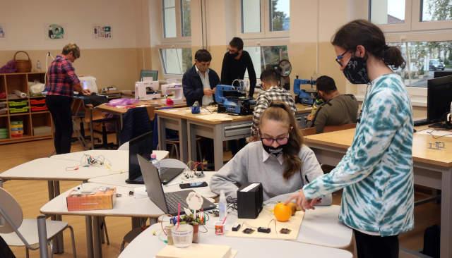 Digitális közösségi alkotóműhelyt adtak át Szerencsen